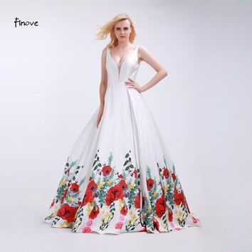 White Prom Dresses Sexy Big V-Neck Fashionable Red Flowers Pattern Sleeveless and Backless Party Gowns for Girls