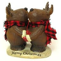 Resin Woodlook 'Merry Christmas' Moose Hug