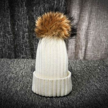Top Quality Winter Women Wool Cashmere Hat Fashionable Design Warmth Knitted Beanies Large Size Fox Fur Pompom Ball Skullies Cap