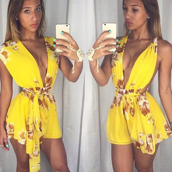 V-neck Sleeveless Flower Print Belt Sexy Short Jumpsuits