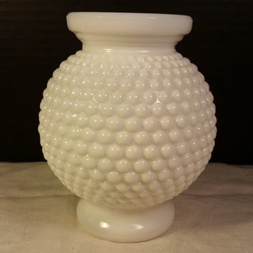 Hobnail Milk Glass Round Vase Bubble Ball Base Sphere White Milk Glass Hobnail for Wedding Table Centerpiece Bouquet Holder Shabby Chic