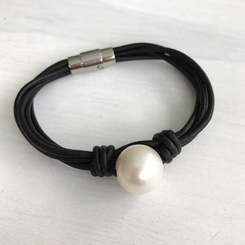 Leather pearl bracelet, pearl bracelet, freshwater pearl bracelet, single pearl bracelet, back to school, pearl jewelry