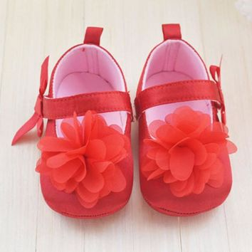 2015 Very Cute Red Flower Princess soft baby shoes for girl baby shoe 3 size to choose