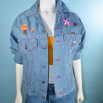 Vintage 60s 70s Light Wash Classic Denim Jacket w/ DIY Creative Hand Embroidered Owls Flowers and Hippie Mushrooms Boho Bohemian Style  38 M