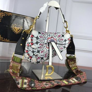 DCCK 1560 Dior decorated Saddle Bog 23-19-5.5CM White red