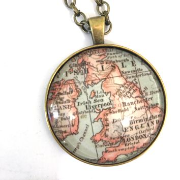 Great Britain Vintage Map Large Pendant