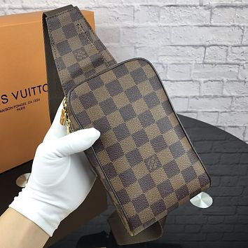 LV 2018 new checkerboard printing shoulder bag pocket bag Messenger bag Coffee check