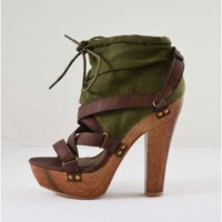 Qupid Iselin 11 Olive Canvas Platform Sandals