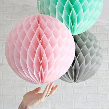 "15pcs Decorative Tissue Paper Honeycomb Balls Flower Pastel Birthday Baby Shower Wedding Holiday Party Decoration Size 6"" 8"" 10"""