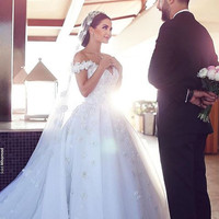 2016 Custom made off the shoulder wedding dress puffy ball gown