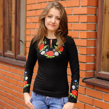 "T-shirt woman with embroidery "" Букет"""