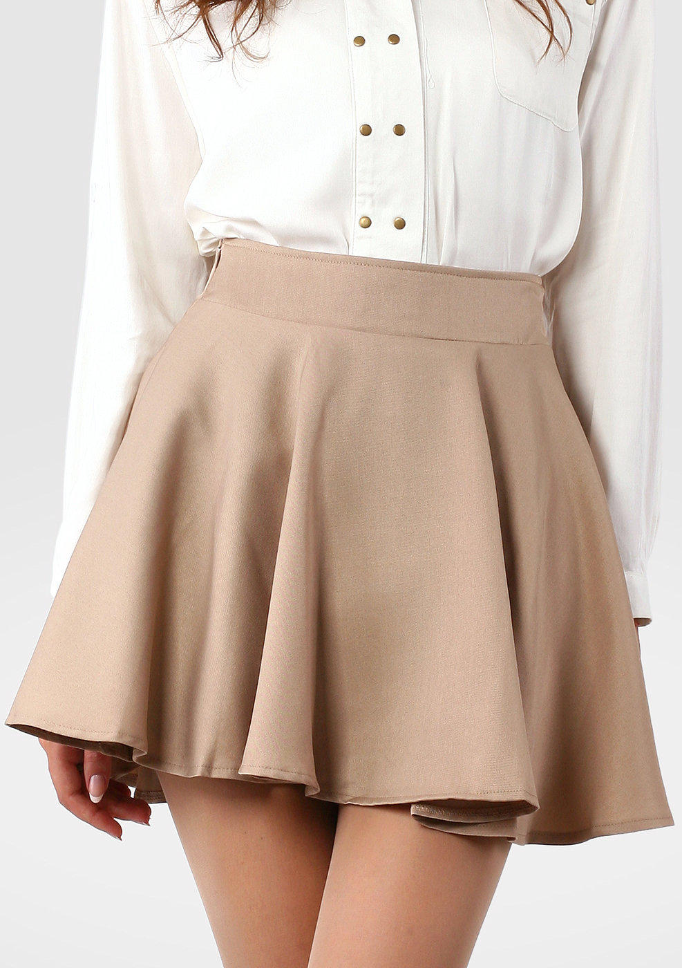 Product Features Twill pencil skirt featuring side-entry front pockets and welted back pockets.