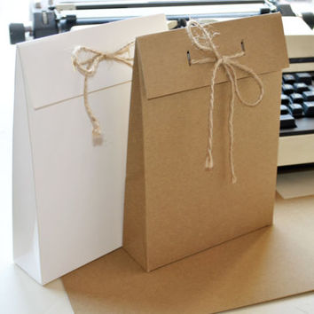 """12 Gift bags I Grey, white, natural brown kraft gift bags I Packaging, presentation bags, party favors 9.05x6.5x2"""""""