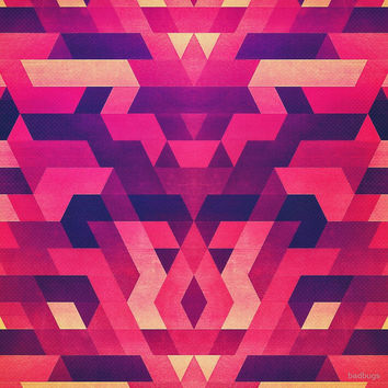 'Abstract Symertric geometric triangle texture pattern design in diabolic magnet future red' by badbugs
