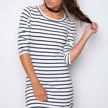 Sandy Basic Dress - White Striped