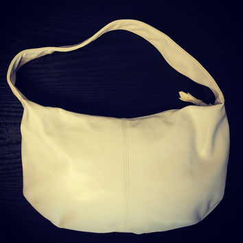 Womens Vintage 90s White Faux Leather Vinyl Medium Size Slouchy Shoulder Handbag Purse