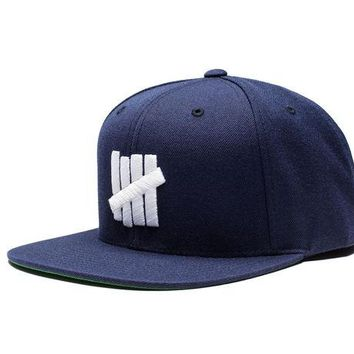 ONETOW Undefeated 5 Strike HO16 Snapback In Navy