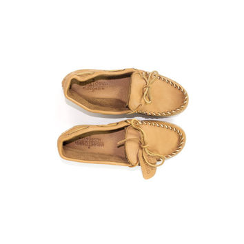 New Minnetonka Moosehide Moccasins / genuine soft moose leather / natural tan / slip on boat shoes /  Mens size 8 / 8.5 / 9