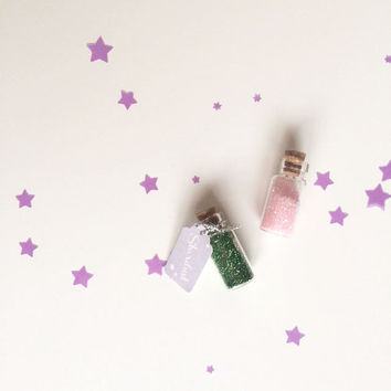 Stardust in Miniature Glass Bottle with Tiny Tag Party Favor - Pink Glitter