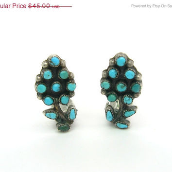Turquoise Earrings. Zuni Petit Point. Sterling Silver. Flower Clip Ons. Vintage Native American Jewelry. Southwestern.
