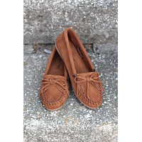Minnetonka: Kilty Moccasin {Brown} - Size 5.5