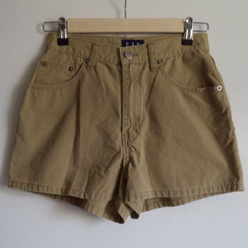 High waisted khaki hipster mom shorts// Vintage 90's grunge Gap// Women's size 3/4- 26W
