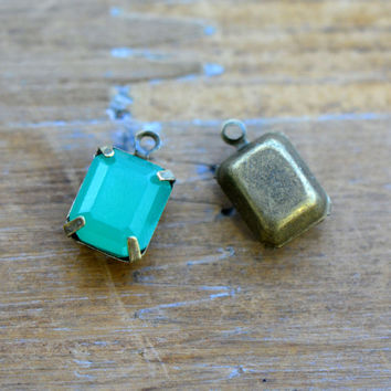 4 - Small Rectangle Jewel Charms AQUA GREEN Drop Gem Rectangle 8x10mm Brass Claw Setting Charm or Link Gold Antique Bronze Silver (AW053)