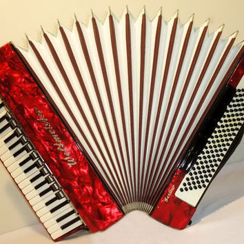 Accordion Instrument Musical Instrument Weltmeister Serino 120 bass + Case. Great German Piano Accordion. Accordian. 273