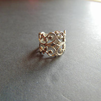 Stunning Silver tone Filigree Ring Size 4.5 Vintage Costume Jewelry