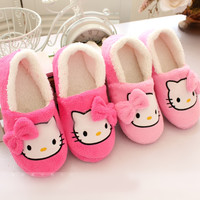 2016 Winter Women Slippers Cartoon Hello Kitty Slippers Indoor Home Shoes Warm Adult Shoes Plush Pantufas with Bowtie Loafers