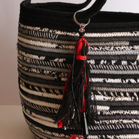 Black n' White Basket Bag, Black and White with Zip Closure, BohoChic Bag, Handmade B&W Bag