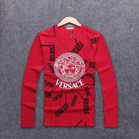 Versace 2018 autumn and winter new wild long-sleeved men's loose hooded round neck sweater red