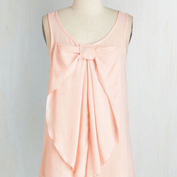 Pastel Mid-length Sleeveless Hello, Bow! Top in Blush