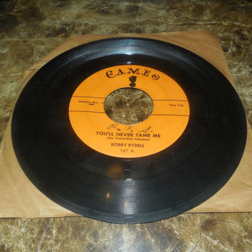 Vintage Vinyl Record 45 RPM Bobby Rydell - You'll Never Tame Me - Kissin  Time - 1959