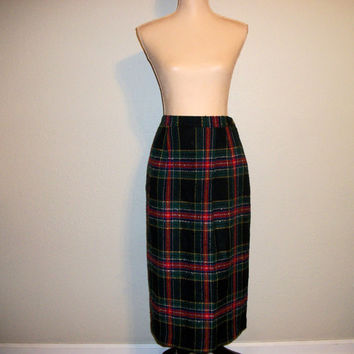 Plaid Skirt Vintage Scottish Plaid Skirt Size 12 Large Black Red Green Skirt Retro Skirt Preppy Skirt Winter Skirt Women Vintage Clothing