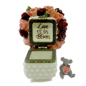 Boyds Bears Resin Rose's Bouquet With Bloom Treasure Box