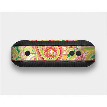 The Vibrant Green and Pink Paisley Pattern Skin Set for the Beats Pill Plus