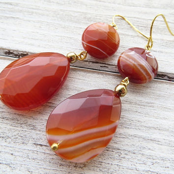 Orange carnelian earrings, agate drop earrings, gemstone earrings, dangle earrings, contemporary jewelry, summer jewelry, italian jewelry