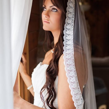 Enchanted - Hand Sewn Mantilla Wedding Veil with Scalloped White Rose Lace