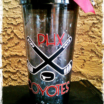 Customized Acrylic 20 oz Hockey Team with Hockey sticks cup with screw on lid and straw