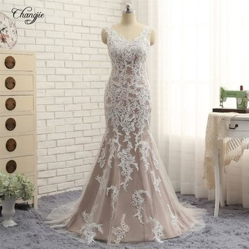 New Design Mermaid Wedding Dresses 2017 Scoop Neck Long Sleeves Court Train Button Back Lace Wedding Gowns Robe de mariage