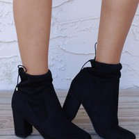 SZ 7.5 CHINESE LAUNDRY Kyla Black Suedette Booties