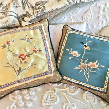 Set of two silk accent pillow in Japanese motif