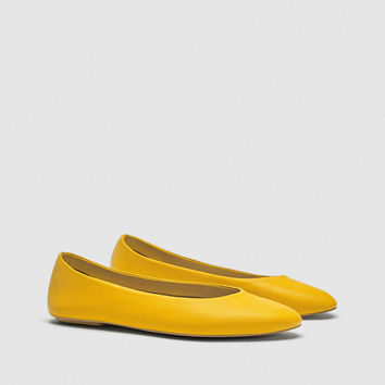 YELLOW LEATHER BALLERINA FLATS DETAILS