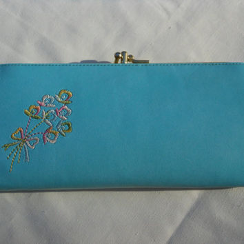 Kisslock Wallet 1950s Baronet  Vinyl Aqua Blue Floral Embellishment Four Compartments Spring Summer Pin Up Rockabilly Vintage Coin Purse