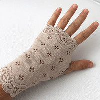 Cream Gloves, lace gloves