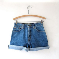 vintage Levis shorts. roll up denim shorts.