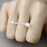 Adjustable open arrow  Ring in gold, silver color