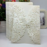 40 pcs White/Beige Pearlescent Paper Flower Carved Pattern Invitation Cards for Wedding & Party Decoration