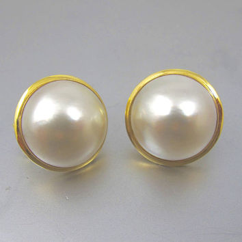 Mabe Pearl Earrings. 14K Yellow Gold 19mm Mabe Pearl Stud Earrings. Bezel Set Omega Back. Wedding Bridal Pearl Jewelry. June Birthstone.